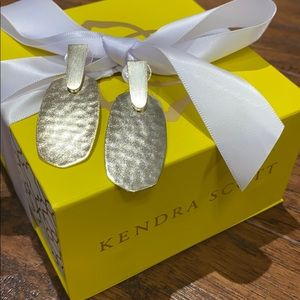 Gorgeous Aragon Drop Kendra Scott Earrings